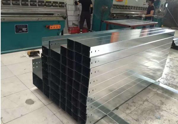 镀锌槽式线槽